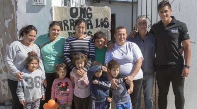 La Navidad adelantada: los regalos de Braian Toledo con los barrios carenciados 7