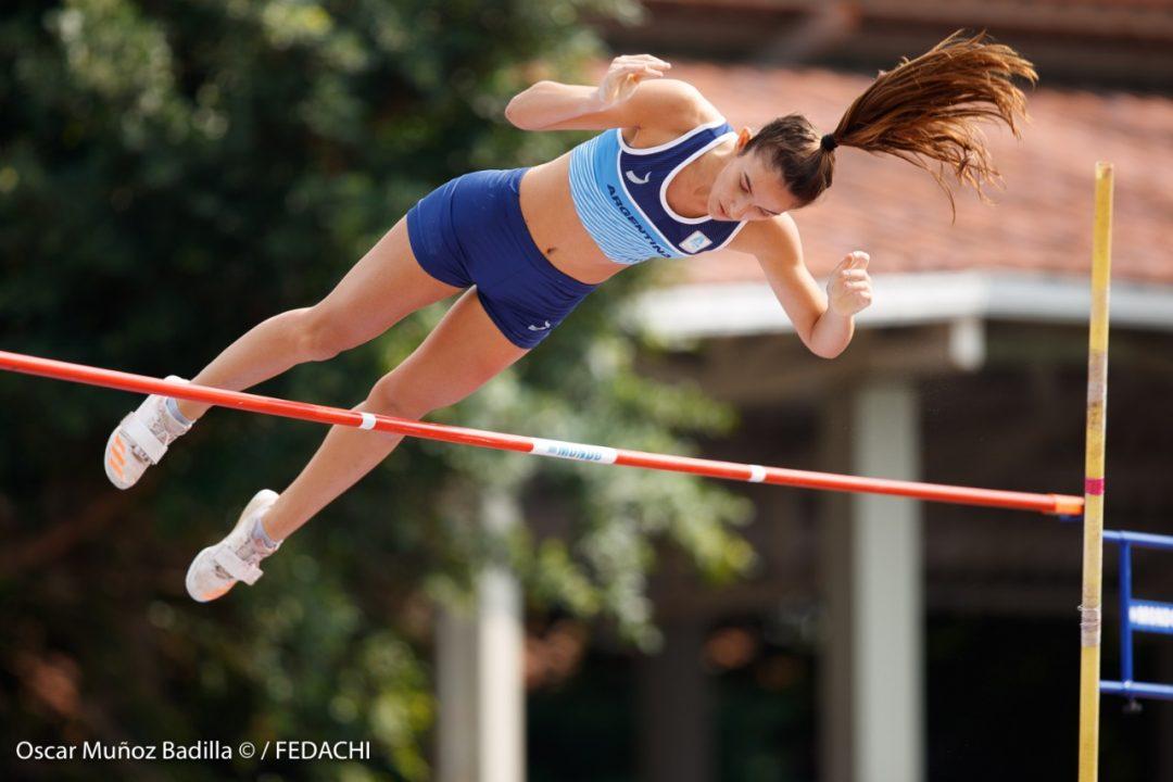 Luciana Gómez Iriondo, sobre los 4.01 en garrocha 1